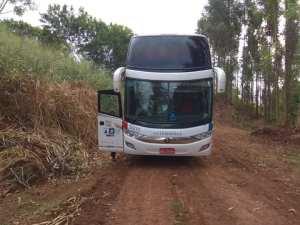 Bandidos fazem arrastão em ônibus da Viação Catarinense no interior do Paraná