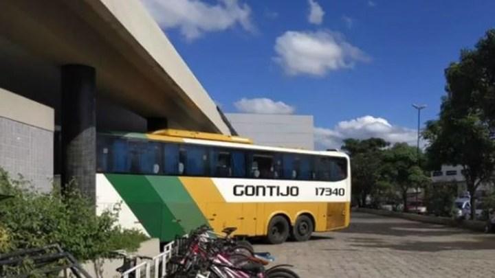 ES: Passageiro acaba preso após tentar dirigir ônibus da Gontijo na BR-101