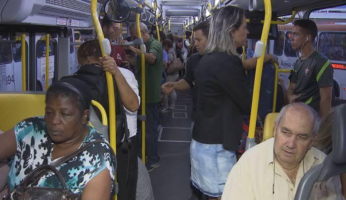 No Distrito Federal idosos podem ocupar qualquer poltrona nos ônibus