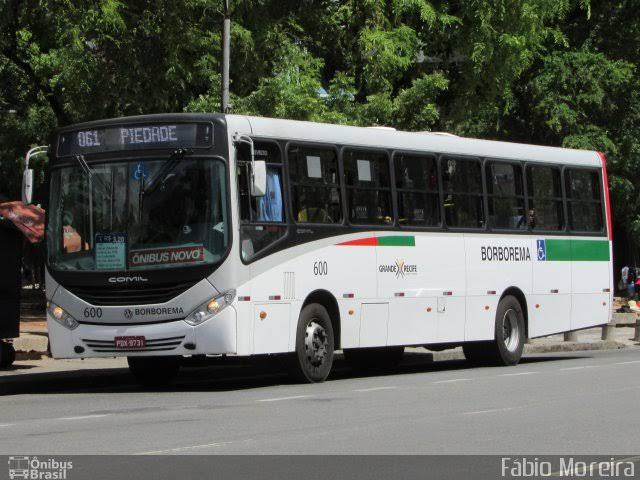 Grande Recife tem fim de semana com 19 assaltos a ônibus registrados