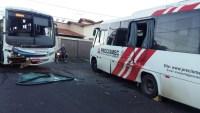 Acidente de ônibus chama atenção no Triângulo Mineiro