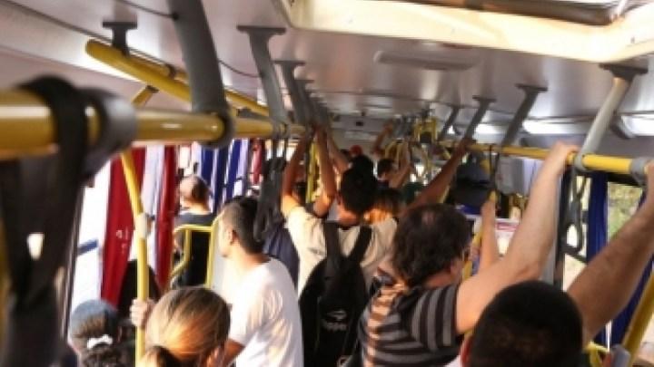 Pesquisa aponta que 97% das mulheres já sofreram assédio em transporte público