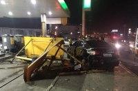 Motorista alcoolizado atropela cinco pessoas em ponto de ônibus na Via Dutra