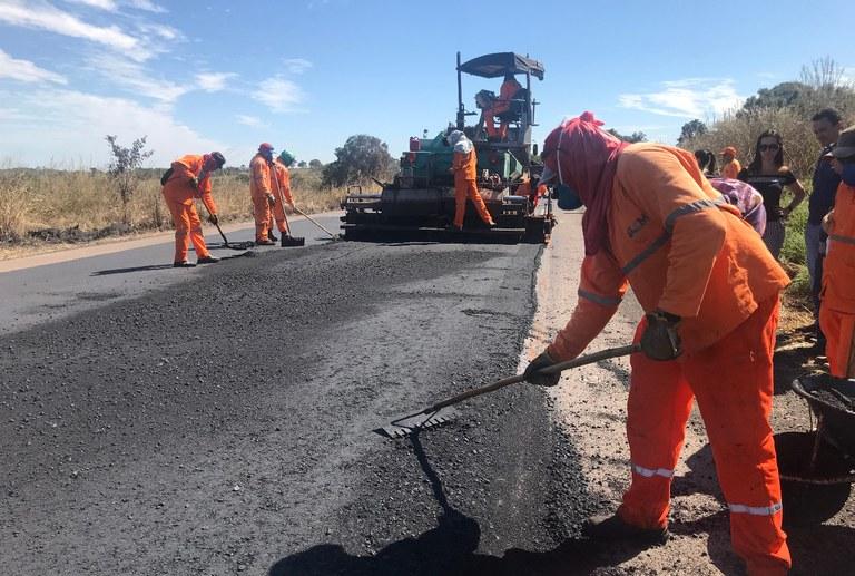 Dnit consegue reduzir buracos nas estradas de Goiais e Distrito Federal