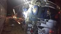 Acidente com dois ônibus e uma carreta deixa sete feridos na BR-369 no Paraná