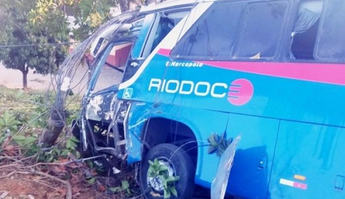 Acidente com ônibus da Viação Rio Doce deixa vários feridos em Além Paraíba