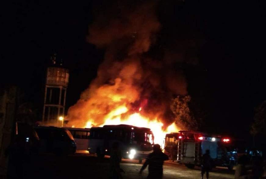 AM:Incêndio destrói diversos ônibus em garagem em Manacapuru