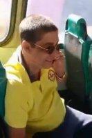 Rio: Zeca Pagodinho viaja de ônibus em Xerém e chama atenção na internet