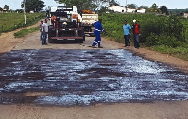 DER-SE realiza serviços de melhorias em diversas rodovias do estado