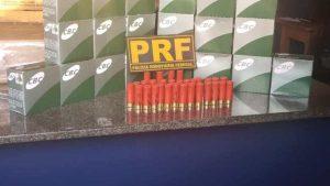 Homem acaba preso transportando 600 munições em ônibus na BR-174