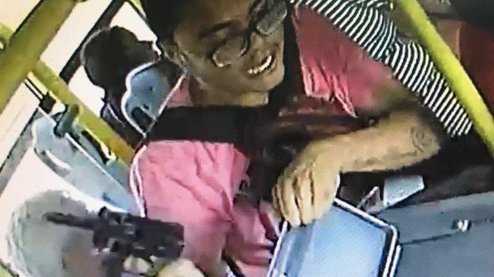 DF: Polícia prende bandido que assaltava ônibus com metralhadora em Ceilândia