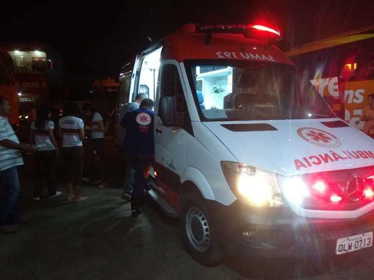 Acre: ônibus tomba na BR-364 deixando 14 feridos