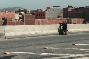 Rio vive manhã de guerra com tiroteio na Linha Vermelha