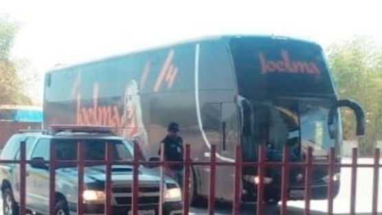 Ônibus plotado com nome da Cantora Joelma é apreendido no interior do Maranhão