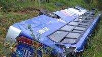 SP: Ônibus da Viação Urubupungá tomba em Cajamar