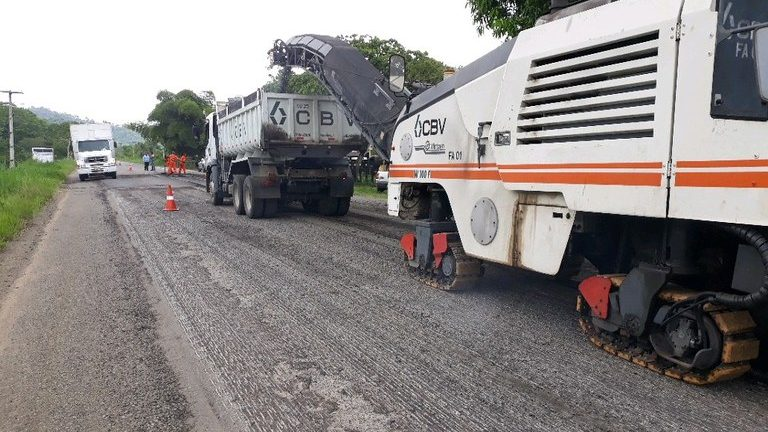 Dnit realiza obras de melhorias na BR-330 na Bahia