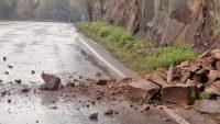 Rodovia RS-453 registra queda de barreiras neste domingo