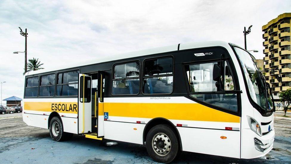 CE: Prefeitura de Jucás anuncia aluguel de ônibus escolar após ataque na cidade