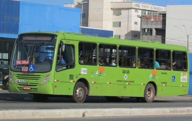 Ônibus da 1001 são recolhidos por ordem judicial