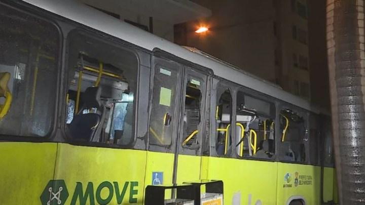 BH: Ônibus é atacado por torcedores do Cruzeiro
