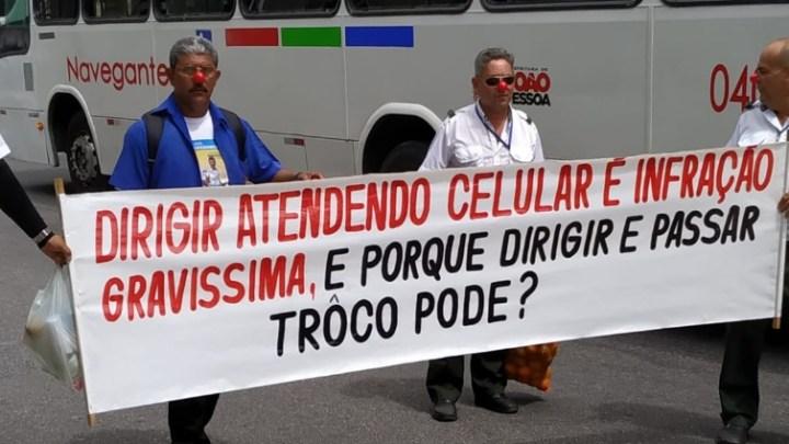Rodoviários seguem parados em João Pessoa nesta segunda-feira