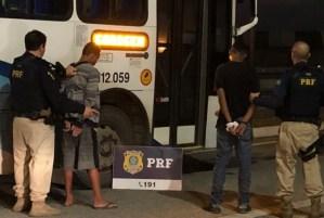PRF prende dupla que assaltava ônibus na Via Dutra na Baixada Fluminense