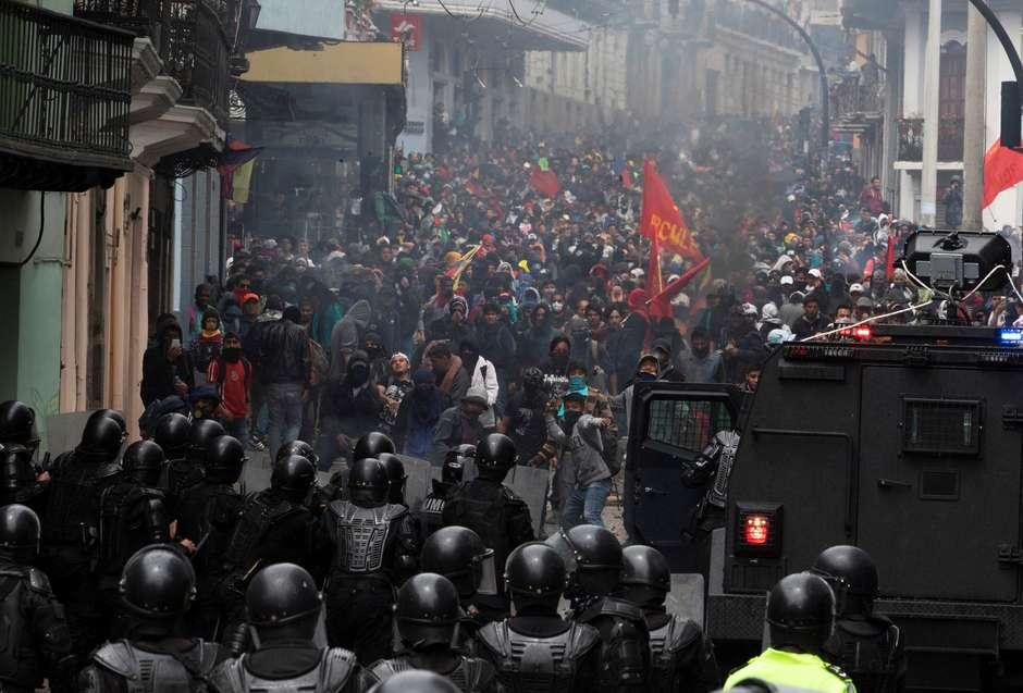 Transporte no Equador segue paralisado durante protestos