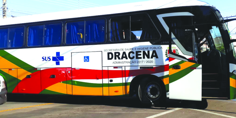 Prefeitura de Dracena recebe primeiro ônibus para transporte exclusivo de pacientes