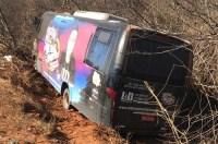 BA: Micro-ônibus do Cantor Renan Moreira sofre acidente na BR-156