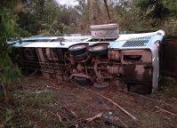 PA: Ônibus da Real Maia tomba na BR-153 deixando 17 feridos