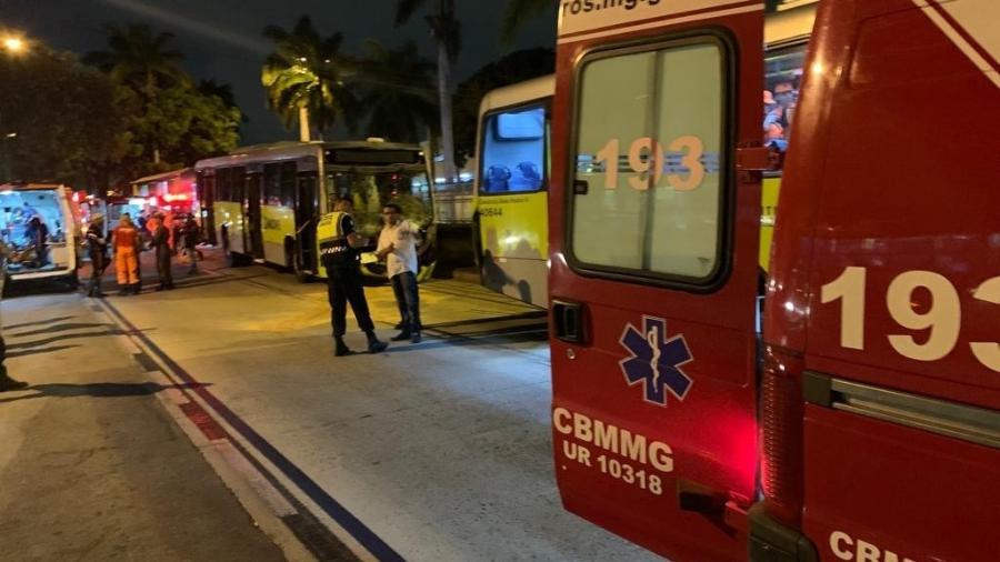 Acidente com ônibus do Move deixa 27 feridos em BH