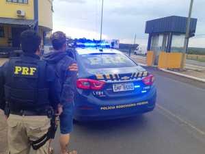 PRF prende foragido da justiça na BR-050 em Uberlândia