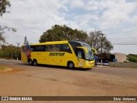 PRF apreende adolescente com 13kg de maconha em ônibus da Viação Eucatur