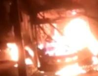 Grande BH: ônibus é incendiado na madrugada deste domingo