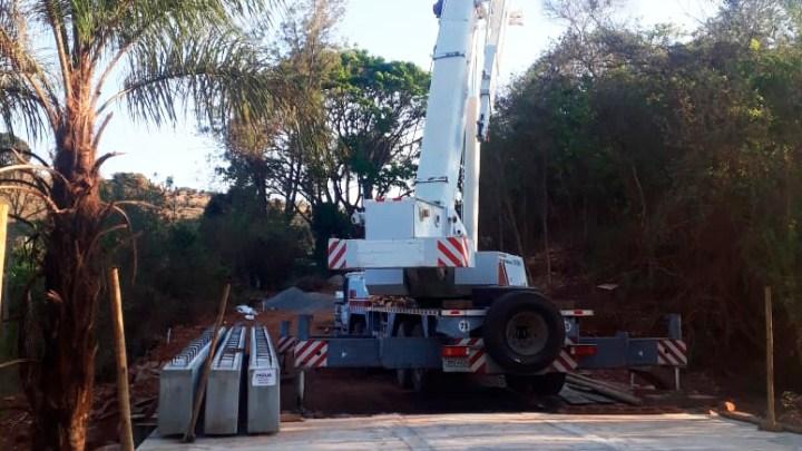 Rodovia MG-010 ganha nova ponte de concreto em Serra Azul de Minas