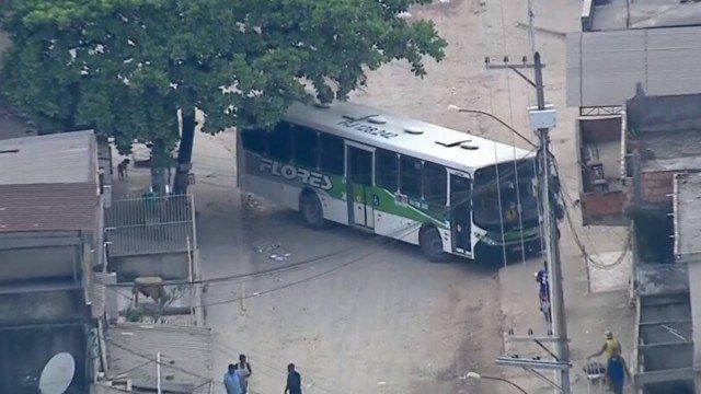 Traficantes mandam retirar câmeras de ônibus na Baixada Fluminense