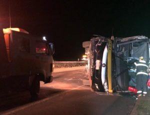 Acidente com ônibus da Real Expresso deixa um ferido na BR-153