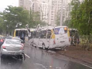 Rio: Acidente com dois ônibus deixa seis feridos no Aterro do Flamengo