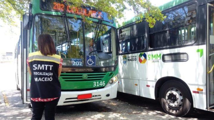 Fiscalização da prefeitura de Maceió retira ônibus irregulares de circulação
