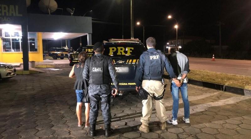 PRF prende dois passageiros e apreende drogas em ônibus no município de São Sebastião/AL