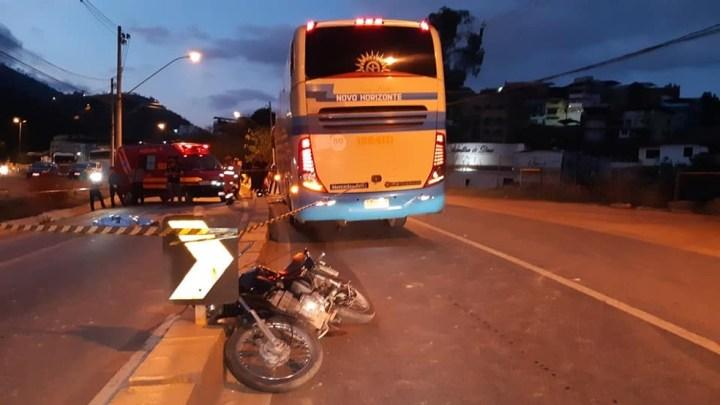 MG: Acidente com ônibus da Novo Horizonte deixa um morto em Caratinga na BR-116
