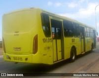 Assaltante morre em troca de tiros em ônibus de São Luis