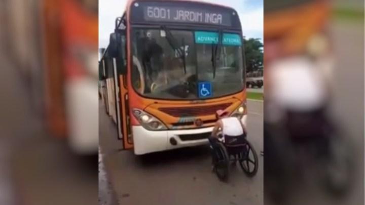 GO: Motorista da empresa Catedral impede embarque de cadeirante e acaba demitido