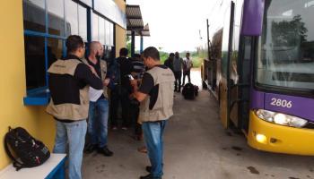 Rondônia: Fiscalização na BR-364 apreende 15 veículos que ...
