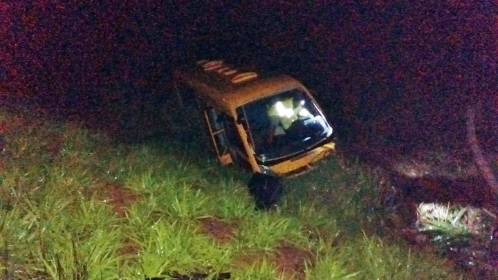 MG: Acidente com micro-ônibus na BR-354 deixa 9 feridos