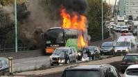 Paris: Ônibus da Flixbus pega fogo durante viagem