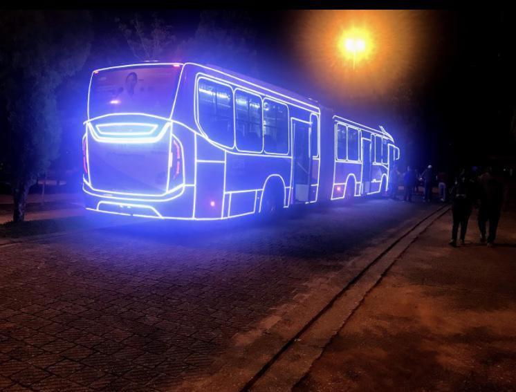 SP: Ônibus decorados com luzes natalinas já circulam pela cidade de Guarulhos
