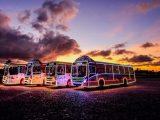 Ônibus natalinos: carreata levará mais cor à orla de Maceió neste sábado