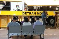 Ônibus do Detran nas Cidades permanece no Shopping Popular de Brasília