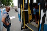 Rio: SMTR aplica 30 multas durante ação com foco no equipamento de acessibilidade dos ônibus